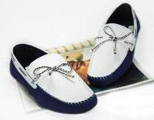 Chọn giày mọi nam chất lượng cho chàng dạo phố