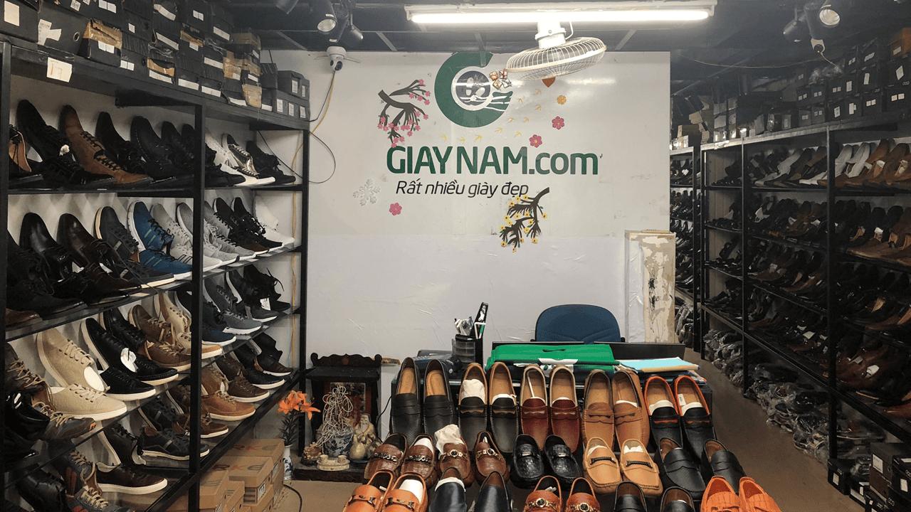 Giày lười công sở hoa văn độc lạ bắt mắt 2018 màu nâu; Mã số GL1828N12